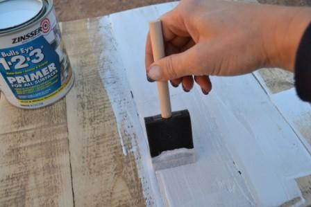 Нанесение грунта с помощью резинового шпателя