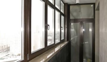 Отделка балкона внутри мрамором