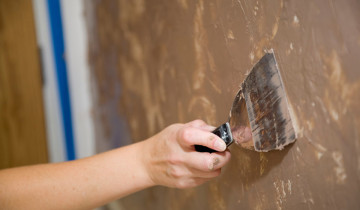 Нанесение шпаклевки на стены