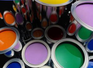 Изображение банок с водоэмульсионной краской, tsn.ua