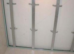 Установка направляющих для пластиковых панелей, eto-vannaya.ru