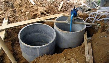 На фото септик из бетонных колец, mosnews.com