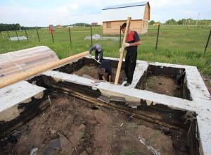 На фотографии демонтаж опалубки, ddru.ru