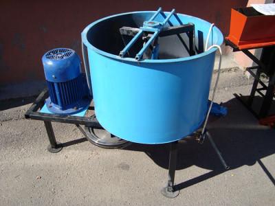 На фото бетономешалка винтовая, anteco.com.ua