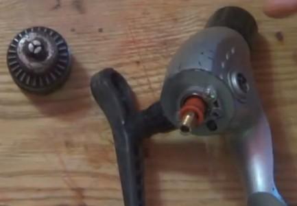 Изготовление мини-дрели из рыболовной катушки