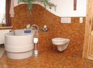 Изображение ванной, отделанной пробкой, kork-ickert.de