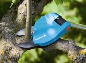 Изображение секатора для обрезки деревьев, gardentech.cz