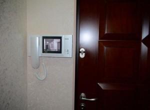 Домофон с блоком видеосвязи на стене, videonablyudenie.com.ua