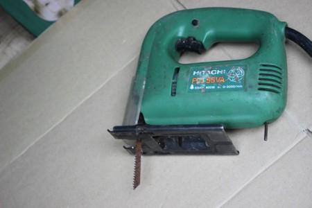 На фото электролобзик мощностью 400 Вт., ebayimg.com