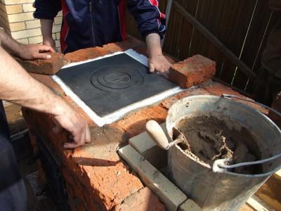 Фото кирпичного мангала своими руками, samstroil.ru