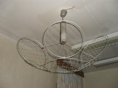 Фото люстры Чижевского в комнате