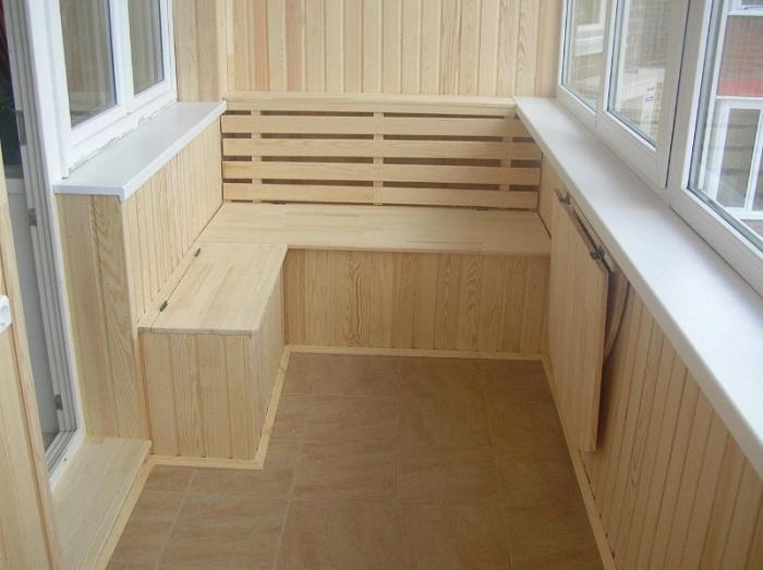 Фото отделки балкона вагонкой