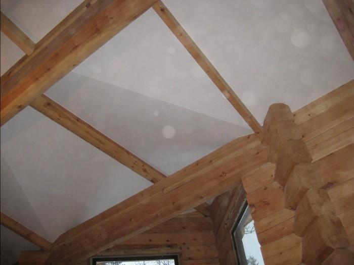 Фотография деревянного потолка
