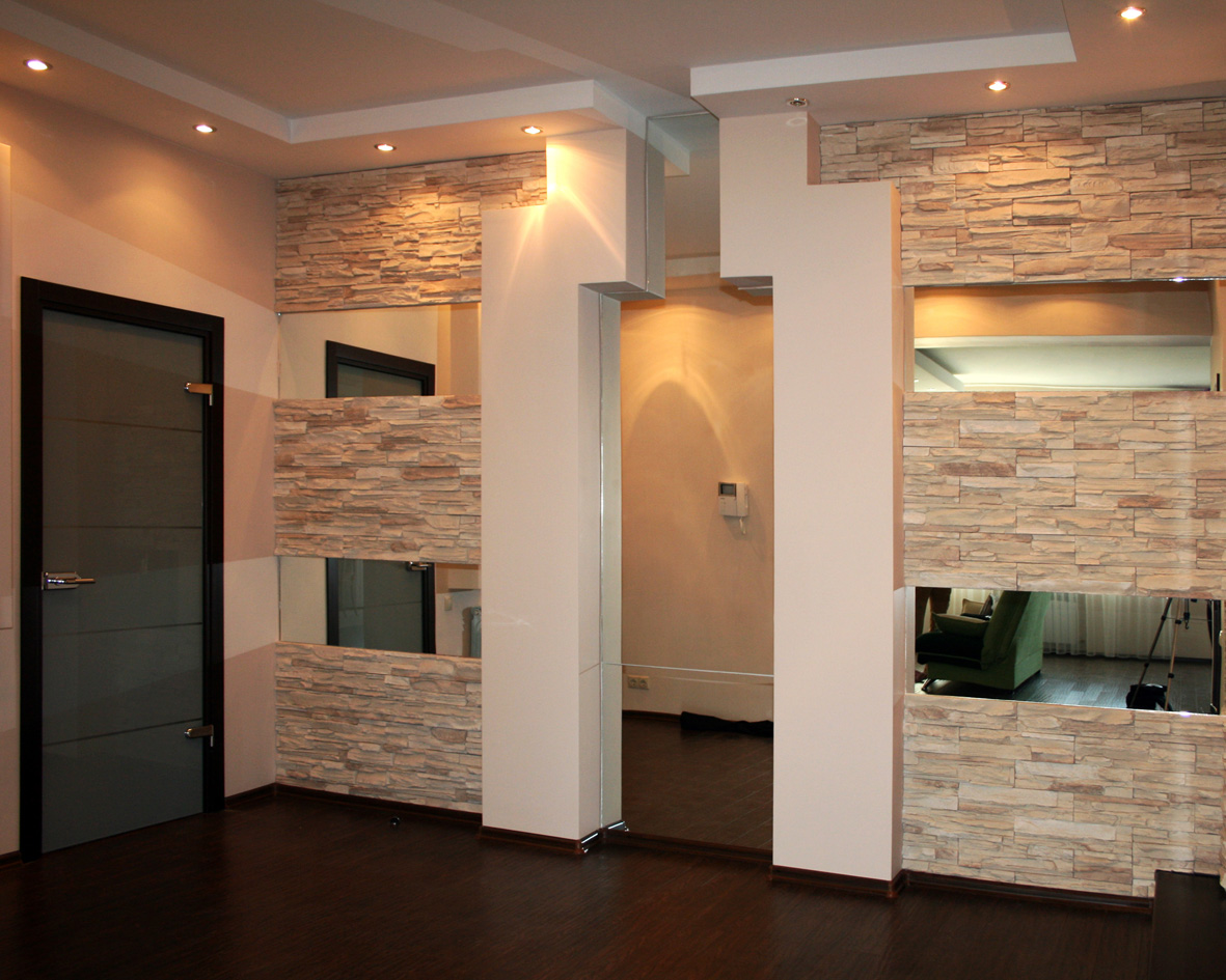 Отделка коридора камнем — декорируем входную зону