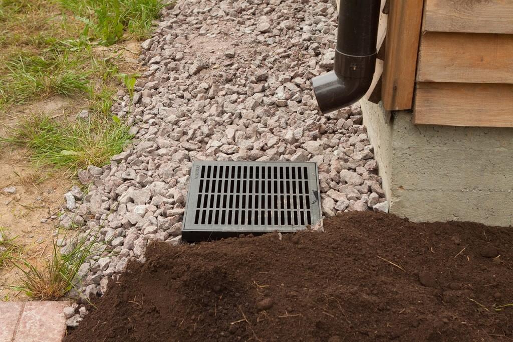 Ливневая канализация своими руками: вопрос, к которому нужно отнестись с особой серьезностью!
