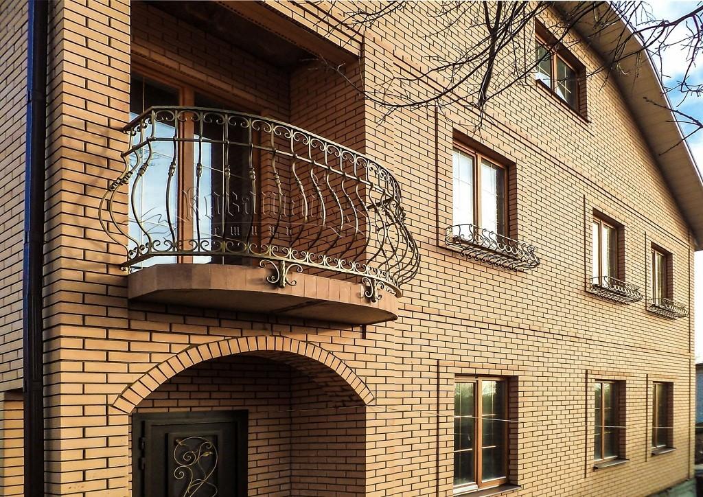 Французский балкон и другие виды остекления с подробными характеристиками