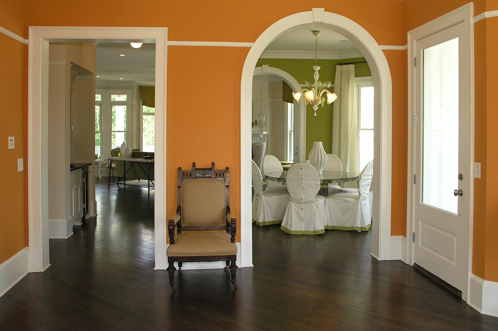 Отделка дверных проемов как важная деталь интерьера