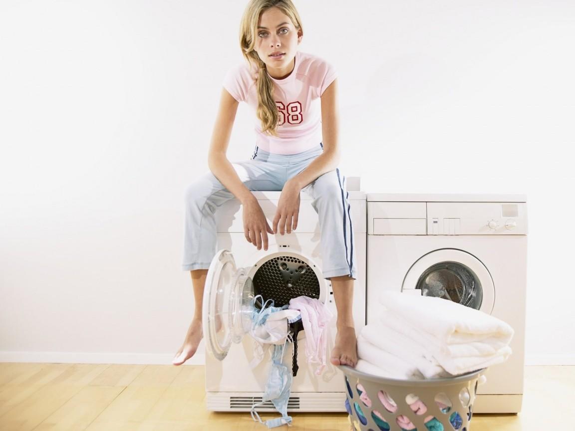 Чем удалить силиконовый герметик с одежды и предметов