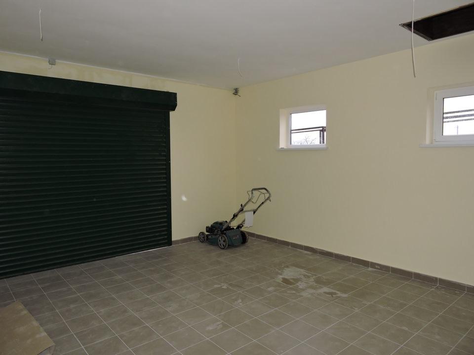 Отделка гаража ПВХ панелями