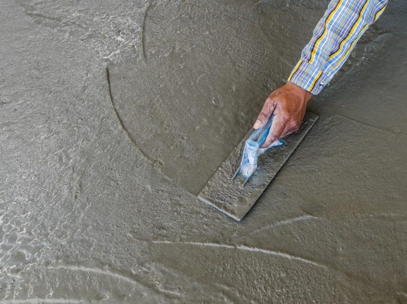 Железнение бетонной стяжки пола в гараже