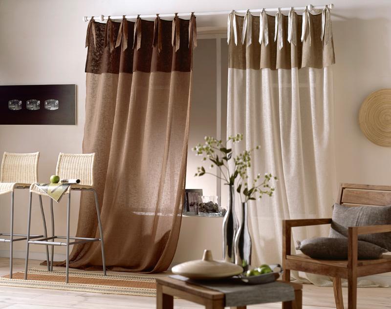 Удлинённые шторы в маленьком зале