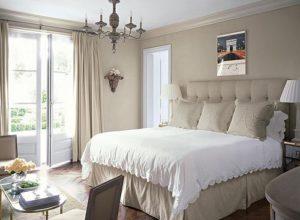 Кремовые оттенки для спальни