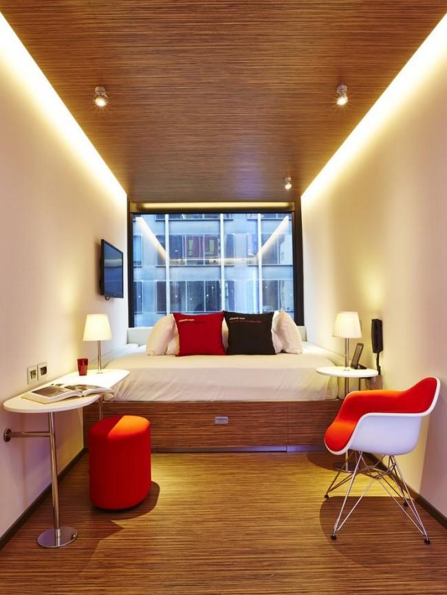 Пример декорирования узкой спальни