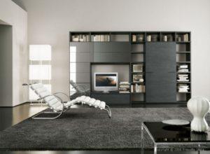 Минимум мебели в большой гостиной