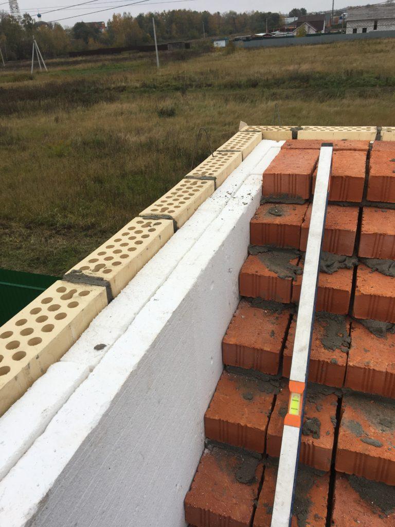 Укладка утеплителя при строительстве дома