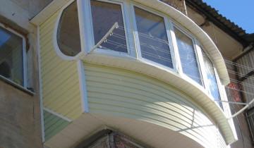 Варианты отделки балкона сайдингом