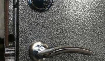 Лакировка металлической двери