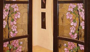 Витраж и роспись на дверях