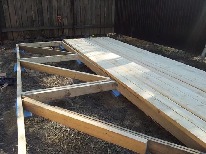 Как правильно сделать деревянные полы в беседке