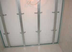 Монтаж обрешетки в ванной комнате, potolokspec.ru