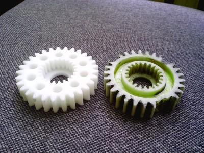 Изображение пластиковых шестеренок, minicube.ru
