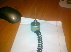 Самодельная мини-дрель из двигателя магнитофона и сверла, tehnari.ru