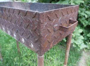 Изображение самодельного мангала из метала, jelezo-shop.ru