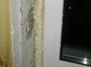 Монтажная пена между откосом и окном, strport.ru