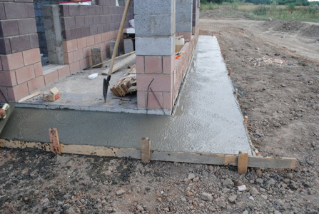 Заливка отмостки бетоном, mechta.su