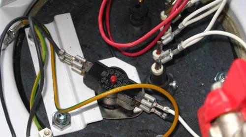 Фотография электропроводки боилера