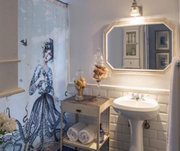 На фото дизайн ванной комнаты