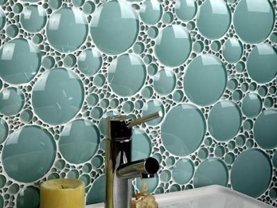 Фотография стеклянной плитки для ванной
