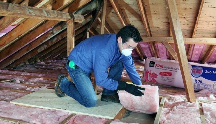 Изображение утепления потолка в деревянном доме