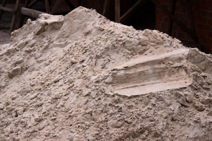 На фото песок для сухих смесей