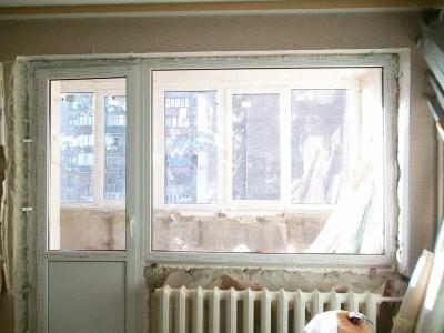 Фотография окна до установки пластиковых откосов