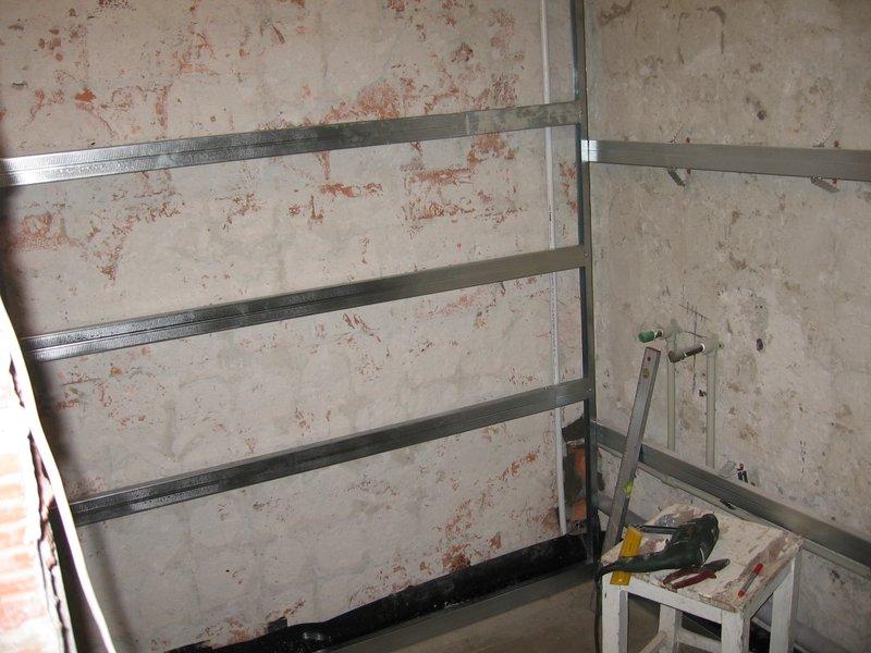 Установка пластиковых панелей на стену своими руками видео