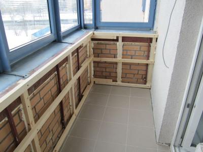 Фото каркаса на балконе для монтажа ПВХ панелей
