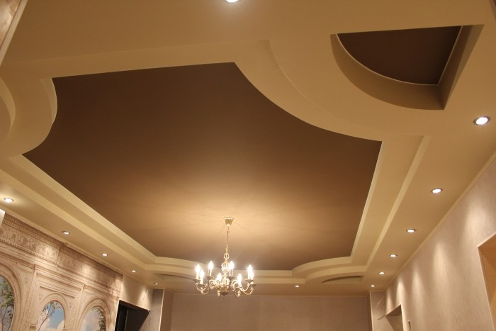 На фото тканевые натяжные потолки