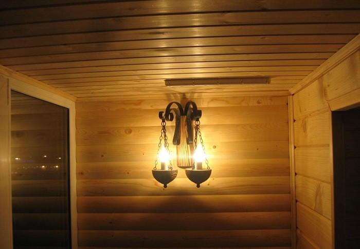 На фото один из вариантов освещения лоджии