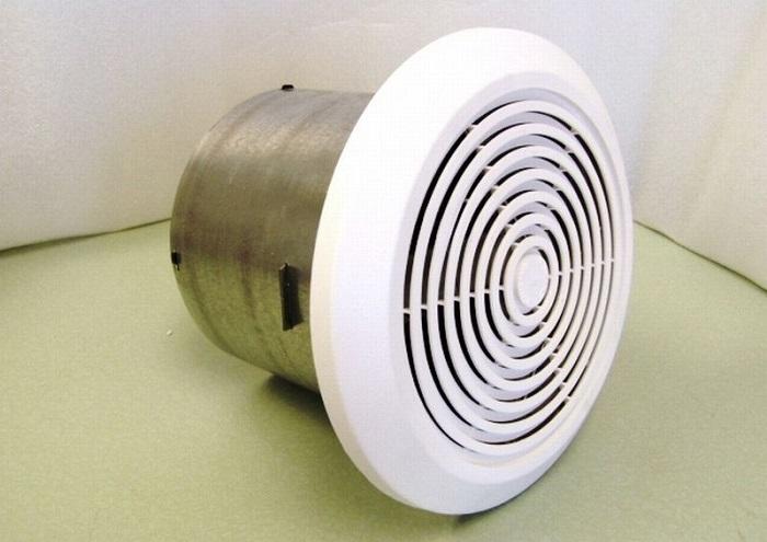 На фото осевой вентилятор для ванной комнаты